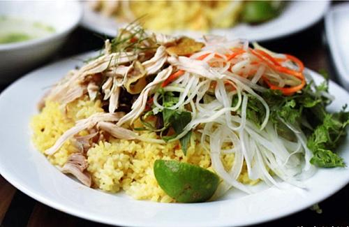 Cơm gà Hội An - Rice with chicken in Hoi An