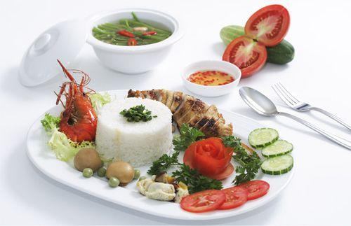 Cơm Tấm Sài Gòn - Saigon's broken rice