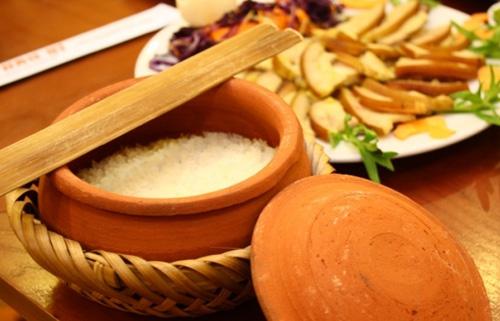 Cơm Niêu - Original clay-pot rice
