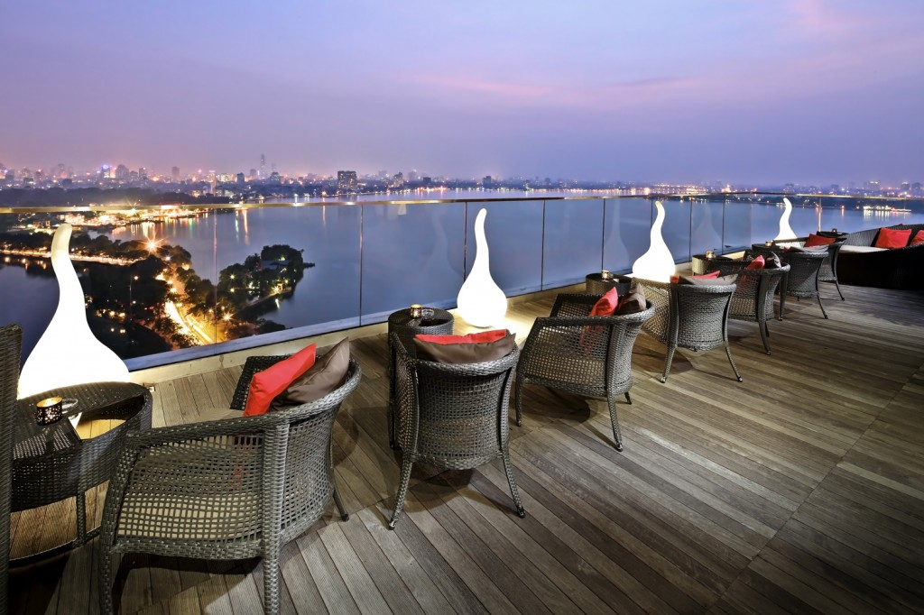Summit Lounge at Sofitel Plaza Hotel – Good Destination in Hanoi for Honeymooners