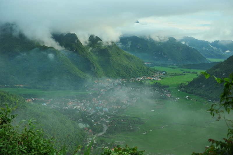 Mai Chau - The green valley of Thai People