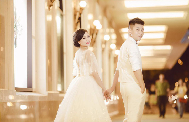 Pre-wedding photography at Trang Tien Plaza