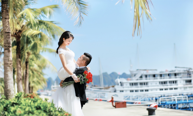 Wedding photography on Tuan Chau Island