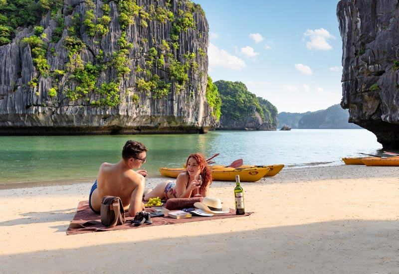Halong Bay is the romantic destination for honeymooners